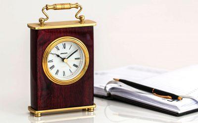"""Il quarto d'ora accademico: un'altra """"scusa"""" per giustificare il ritardo e i ritardatari"""